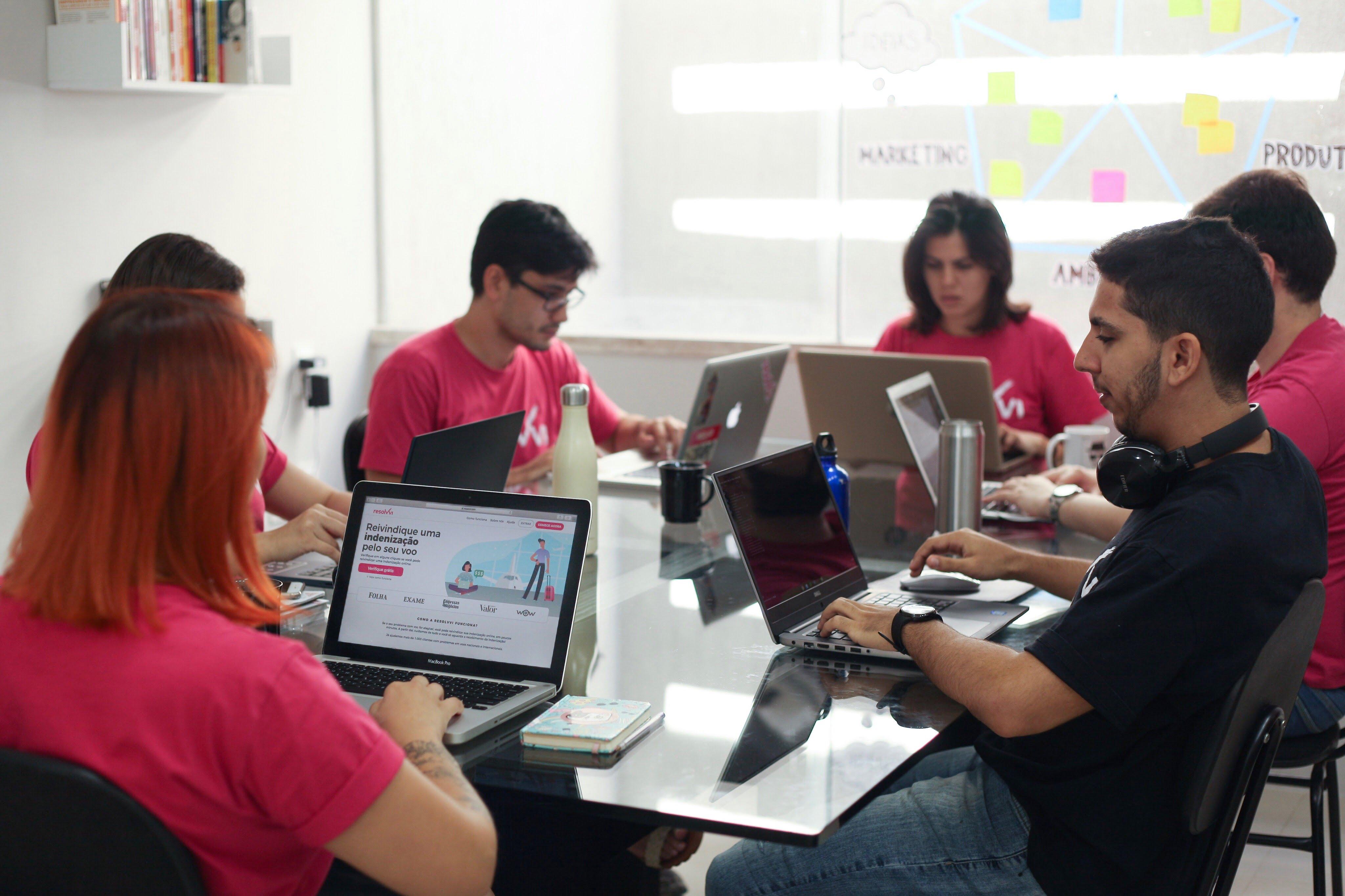 Startup Resolvvi levanta R$2.2 milhões em nova rodada de investimentos