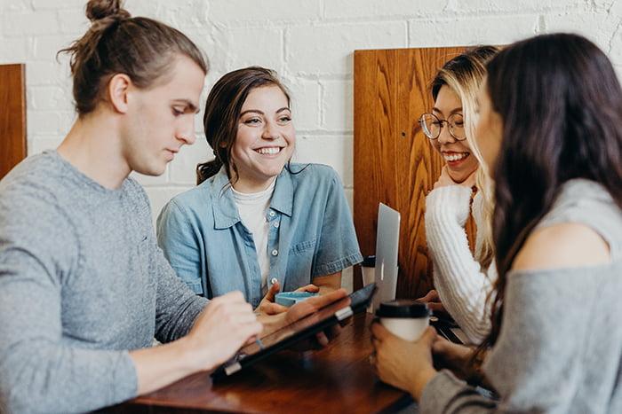 Aplicativo promove negócios on-line entre associados de cooperativa de crédito