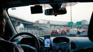 Motoristas de aplicativo têm acesso facilitado ao seguro de vida com auxílio da tecnologia